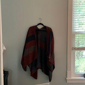 dark colored shawl